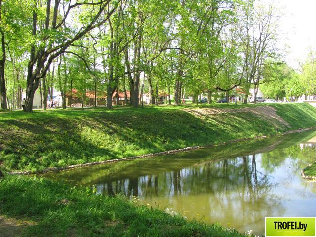 Ров, выкопанный для обороны Несвижского замка